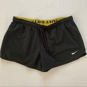 Nike Livestrong running shorts black